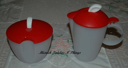TUPPERWARE-RED-OPEN-HOUSE-SUGAR-CREAMER-MILK-JUG